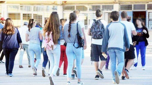 Κανένας μαθητής δεν πρέπει να στερηθεί τη μάθηση. » agrinionet.gr